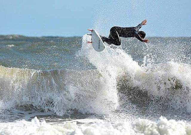 Jacksonville Surfing Photo - Photo credit: @surfcountry